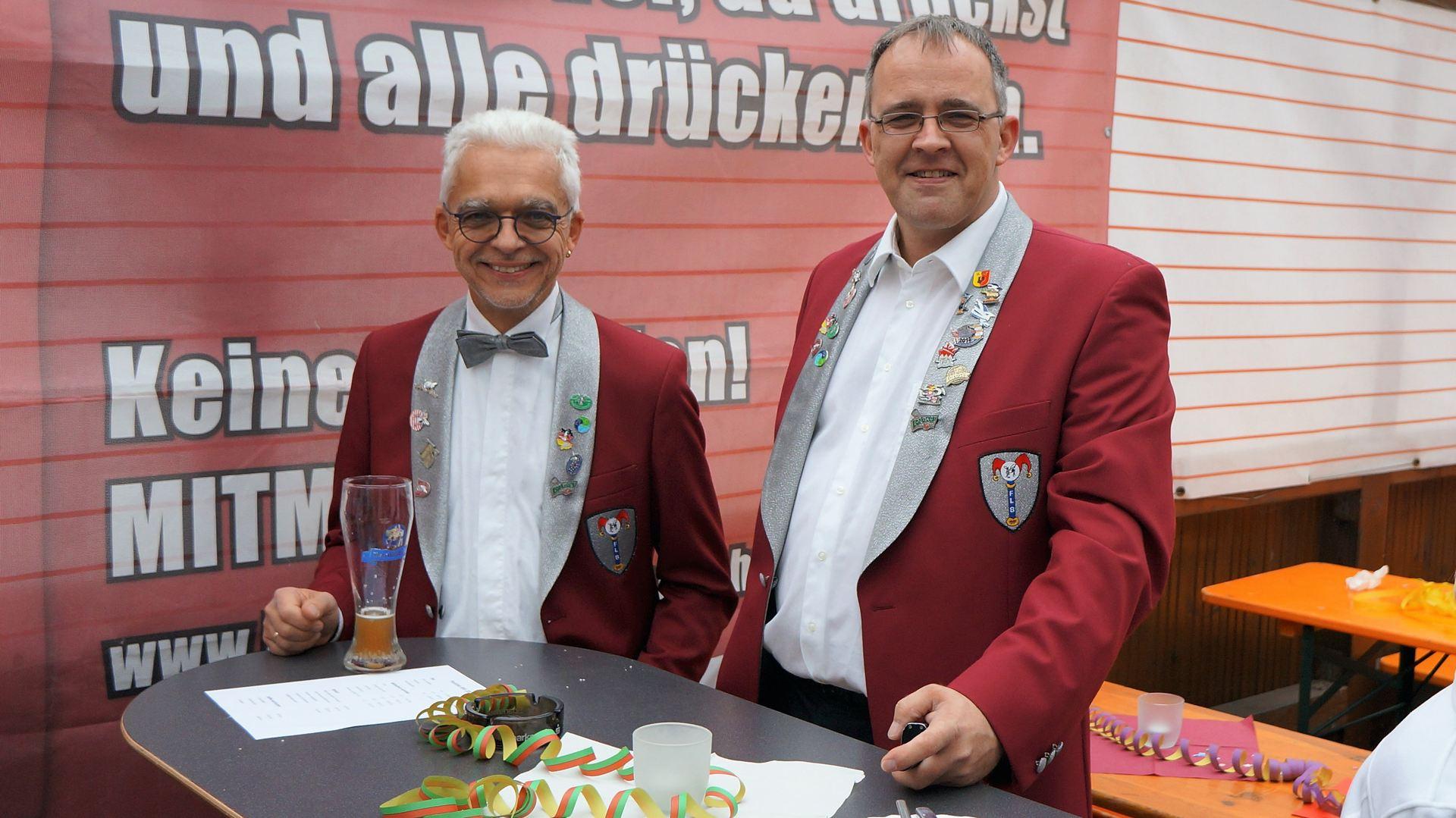 Erster Kassier Dietmar Bratge und Vorstand Dirk Malinka beim Rathaussturm 2017