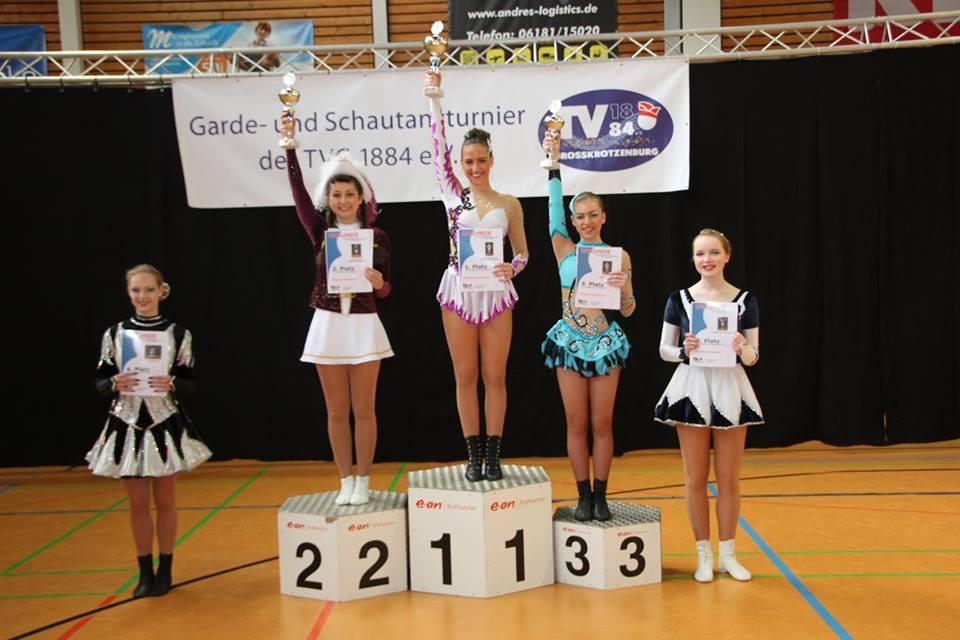 Jacqueline bei der Siegerehrung zum 2. Platz in Großkrotzenburg. Foto: Liz Eizenhöfer