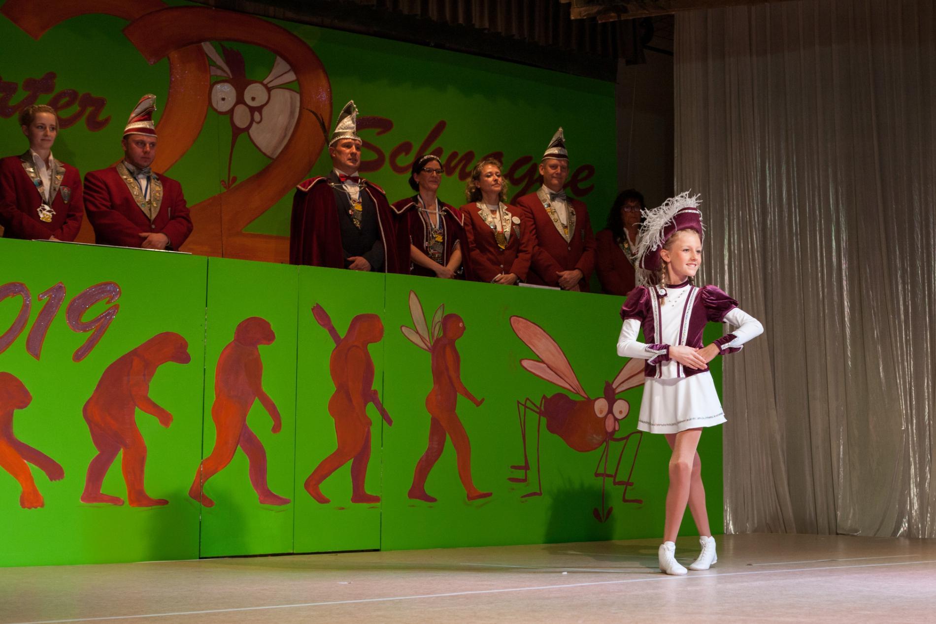 Junioren-Tanzmariechen bei der Lengfurter Sitzung 2019